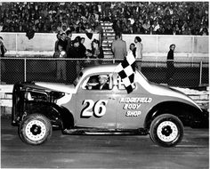 Old Race Cars, Checkered Flag, Car Makes, Golden Age, Monster Trucks, Racing, Cutaway, Running, Auto Racing