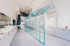 [매장인테리어/안경점인테리어] 스카이블루 프레임이 돋보이는 안경점 인테리어 시애틀 지역에 위치한 안경...