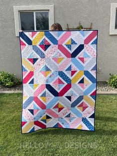 Double Crossed quilt - pattern by Amy Smart made with Riley Blake Fabric by Melanie Collette Quilting Tutorials, Quilting Designs, Sewing Patterns Free, Quilt Patterns, Fat Quarter Projects, Riley Blake, Easy Sewing Projects, Baby Size, Cool Baby Stuff