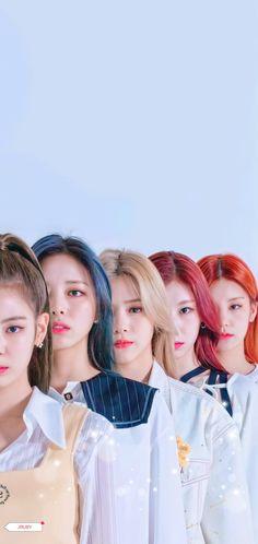 Kpop Girl Groups, Kpop Girls, Neon Heart Light, Mom Daughter Matching Dresses, My Girl, Cool Girl, Arab Celebrities, Mode Kpop, Lisa Blackpink Wallpaper