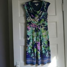 """Dress Barn summer dress Dress barn summer dress. Very comfortable.  Only wore a couple of times with no signs of wear. It is a polyester/ spandex blend.  It is 38"""" long and the waist is 28"""". Dress Barn Dresses Midi"""