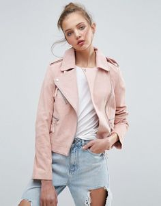 Buy ASOS Suede Biker Jacket at ASOS. With free delivery and return options (Ts&Cs apply), online shopping has never been so easy. Get the latest trends with ASOS now. Best Leather Jackets, Leather Jacket Outfits, Pink Suede Jacket, Coats For Women, Jackets For Women, Cuir Rose, Inspiration Mode, Asos, Biker Style