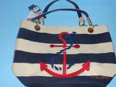 NEW WITH TAGS TERRIFIC TOMMY HILFIGER LARGE TOTE #TommyHilfiger #Tote