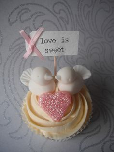 Love Birds Cupcake by Sugar Ruffles, via Flickr