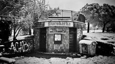 https://flic.kr/p/DLjR3s   Hospoda Parukářka, toalety   Praha, Prague
