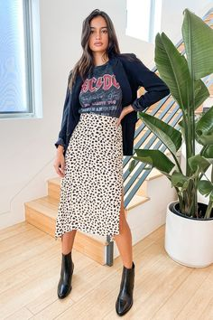 Printed Skirt Outfit, Leopard Skirt Outfit, Midi Skirt Outfit, Leopard Print Skirt, Animal Print Skirt, Printed Skirts, Cheetah Print Outfits, Skirt Outfits, Midi Flare Skirt
