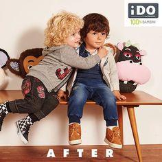 Bastano quattro braccia per far spuntare due sorrisi! E ora si gioca... Scopri i look di Tommy e Mattia su www.ido.it  #iDOkidswear #HappykidsiDO #100x100bambini #after #abbracci #love #amici
