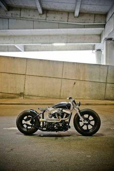 Harley Davidson News – Harley Davidson Bike Pics Motos Bobber, Bobber Bikes, Bobber Motorcycle, Bobber Chopper, Custom Motorcycles, Custom Bikes, Custom Choppers, Motorcycle Design, Vintage Motorcycles