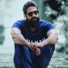 Actor Picture, Actor Photo, India Actor, Bad Attitude Quotes, Hanuman Images, Queens Wallpaper, Bollywood Pictures, Actors Images, Hair And Beard Styles