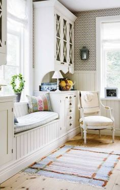 Love this, what a great way to create a window seat with built ins, for a 'normal' house without deep windows. White keeps it really fresh. Interior Exterior, Home Interior, Interior Design, Interior Ideas, Window Benches, Window Seats, Room Window, Bay Window, Sweet Home