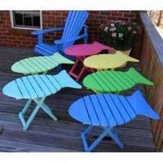 too cute Folding Adirondack Fish Tables. Beach Furniture, Pallet Furniture, Cool Furniture, Painted Furniture, Diy Wood Projects, Wood Crafts, Wooden Fish, Beach Crafts, Beach House Decor