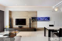 逸喬設計 l aquarium in tv wall Tv Feature Wall, Colorful Interior Design, Tv Unit Design, Hall Design, Aquarium, Home Decor Trends, Apartment Design, Small Apartments, Living Room Designs