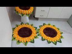 Crochet Crafts, Polka Dot Rug, Crochet Doily Rug, Sunflower Bathroom, Bathroom Mat Sets, Crochet Bedspread Pattern, Crochet Shoes, Needlepoint, Bathroom Sets