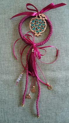 Handmade Keychains, Greek Beauty, Pomegranates, Christmas Decorations, Christmas Ornaments, Lucky Charm, Xmas Crafts, Amelie, Dream Catcher