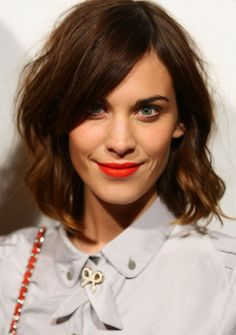 Hair Inspiration: The Long Bob Alexa Chung hair and red lips, exactly how I want my hair when I cut it except maybe even shorter Hairstyles With Bangs, Pretty Hairstyles, Updo Hairstyle, Wedding Hairstyles, Quinceanera Hairstyles, Teen Hairstyles, Celebrity Hairstyles, Hairstyle Ideas, Alexa Chung Hair
