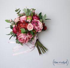 Planning A Fantastic Flower Wedding Bouquet – Bridezilla Flowers Church Wedding Flowers, Purple Wedding Flowers, Wedding Flower Decorations, Bridal Flowers, Silk Flowers, Floral Wedding, Flowers Decoration, Decor Wedding, Wedding Receptions