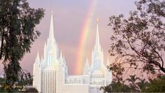14 Magical photos of Rainbows outside Temples