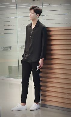 Asian Men Fashion, Boy Fashion, Mens Fashion, Fashion Outfits, Mens Clothing Styles, Asian Boys, Casual Outfits, Clothes, Kdrama Actors