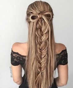 54 Best Bohemian Hairstyles That Turn Heads Bohemian hairstyles are worth mastering because they are creative, pretty and so wild. Plus, boho hairstyles do not require much time and effort to do. See more fabulous boho hairstyles. Bohemian Hairstyles, Pretty Hairstyles, Girl Hairstyles, Hairstyles 2018, Wedding Hairstyles, Hairstyle Ideas, Church Hairstyles, Christmas Hairstyles, Summer Hairstyles