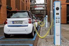 Berlin - Potsdamer Platz - E-Mobility-Ladevorgang Kia Soul, Electric Motor, Electric Cars, Electric Vehicle, Future Car, Ev Charging Stations, Combustion Engine, Car Set, Norway