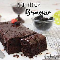 13 Cara membuat brownies kukus, enak, lembut & mudah dibuat Instagram/@resepbrownis  @resepkuetrending Brownie Recipes, Snack Recipes, Dessert Recipes, Cooking Recipes, Snacks, Delicious Cake Recipes, Yummy Cakes, Sweet Recipes, Brownies Kukus
