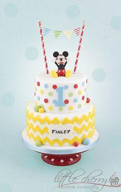 Bolo Do Mickey Mouse, Mickey And Minnie Cake, Bolo Minnie, Mickey Mouse Clubhouse Birthday Party, Mickey Cakes, Mickey Birthday, First Birthday Cakes, Minnie Mouse, 2nd Birthday