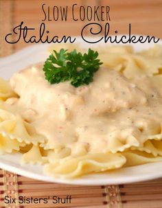 Slow Cooker Italian Chicken Recipe / Six Sisters' Stuff | Six Sisters' Stuff