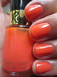 "Revlon - Siren ""A call that both alarms and attracts."""