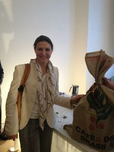 """Anna Maria Pellegrino, winner of the contest """"Dinner with the Ottomans"""", with theaward offered by Torrefazione Penazzi in Ferrara."""