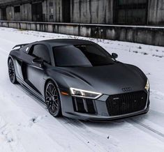 Audi R8 V10, Audi Rs3, Acura Nsx, Low Rider S, Dyna Low Rider, Indian Scout, Harley Davidson Dyna, Mclaren P1, Honda Cb