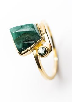 Emerald and sapphire ring by Lorraine Gibby. lorrainegibby.com
