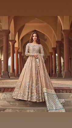 Pretty Pakistani gown - Pretty Pakistani gown Source by - Pakistani Formal Dresses, Pakistani Wedding Outfits, Pakistani Bridal Wear, Pakistani Wedding Dresses, Pakistani Dress Design, Asian Bridal Dresses, Desi Wedding Dresses, Asian Wedding Dress, Bridal Outfits