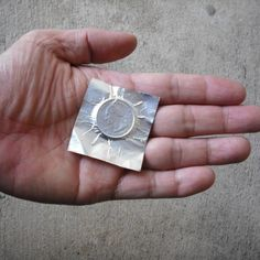 Do you want to make your family and friends fascinated by your enthralling magic trick performance? You could fulfill your wish by acquiring easy card magic tricks. As magic tricks are the most enticing skill that people dream to Coin Magic Tricks, Learn Magic Tricks, Magic Tricks For Kids, How To Do Magic, Easy Magic, Simple Magic, Magic Tricks Illusions, Easy Card Tricks, Magic Coins