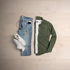 Best outfit of mens fashion style here to may more for young generation.super high quality products Go search casual wear . Stylish Mens Outfits, Casual Outfits, Men Casual, Classy Casual, Casual Wear, Mens Style Guide, Men Style Tips, Jeans Und Converse, North Face Jacke