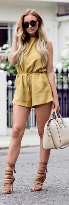 Strappy heels / fashion by ohh couture street style outfits Crazy Outfits, Cool Outfits, Summer Outfits, Casual Outfits, Amazing Outfits, Summer Shorts, Skirt Fashion, Fashion Outfits, Womens Fashion