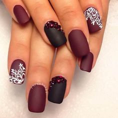 Plus produce the ring nail appear extra amazing. Bejeweled Brilliance These pure vanilla nails are given another dimension by just place a few gems on the ring finger. Matte nail art look very grea… Burgundy Nails, Red Nails, Love Nails, Hair And Nails, Black Nails, Matte Maroon Nails, Red Burgundy, Matt Nails, Brown Nails