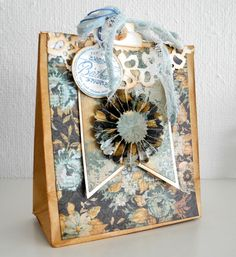 Crafting ideas from Sizzix UK: Gift bag