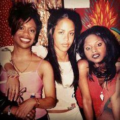 Aaliyah with Kandi Burress of Xscape & rapper Foxy Brown Hip Hop 90, Hip Hop And R&b, Christina Aguilera, Jennifer Lopez, Rihanna, Rip Aaliyah, Aaliyah Style, Kandi Burruss, Aaliyah Haughton