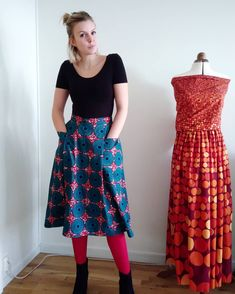 The Patti Pocket skirt is a PDF sewing pattern of a combination pleated + flared skirt with popped - out, deep front pockets, a high waist, hem facings, and a side seam zipper. Skirts With Pockets, Dress Pockets, Wedding Dress With Pockets, Flare Skirt, Clothing Patterns, Diy Clothes, White Lace, Amy, High Waisted Skirt