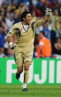 Gianluigi Buffon of Italy celebrates his team's first goal during the FIFA World Cup Germany 2006 Group E match between Italy and Ghana played at the Stadium Hanover on June 2006 in Hanover,. Get premium, high resolution news photos at Getty Images Uefa Football, World Football, Fifa World Cup Teams, Soccer Photography, All Star, Vintage Football, Best Player, World Cup, Italia