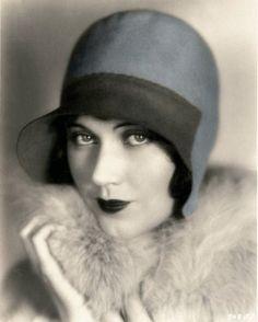 Art Déco ~ 1920's Flapper. Vintage Tinted Postcard.