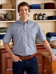 No Fuss, No Ironing, No Worries—Our Wrinkle-Free Gingham Short-Sleeve Shirt Winter Outfits Men, Stylish Mens Outfits, Mom Outfits, Urban Outfits, Casual Outfits, Men Casual, Smart Casual, Check Shirt Man, Gingham Shorts
