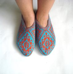 womens slippers knitted slippers turquoize blue by AnatoliaDreams