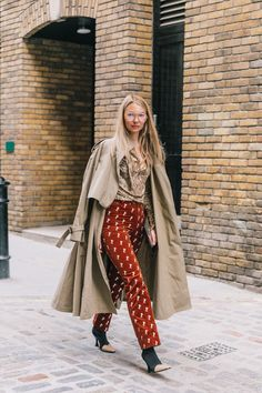 A very evident animal (and epatante) Estilo Blogger, Normcore, Look Vintage, Lookbook, Street Style Looks, Outerwear Women, Mode Inspiration, Looks Cool, Mantel