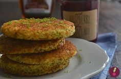 Pancakes de limón y semillas de amapola Pancakes, Breakfast, Food, Gastronomia, Sweets, Deserts, Poppies, Morning Coffee, Eten