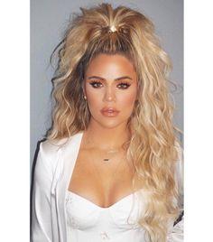 Khloe Kardashian - curly, half-up ponytail. - Khloe Kardashian – curly, half-up ponytail. Human Hair Ponytail Extensions, Half Ponytail, Celebrity Hairstyles, Diy Hairstyles, Kardashian Hairstyles, Casual Hairstyles, Medium Hairstyles, Half Pony Hairstyles, Long Hairstyles