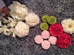 前撮りの和装でつける、造花の髪飾りを手作りしてみました♡手作りということのほどでもないけどだってとっても簡単だもの!作り方は、ボールブーケの作り方といっしょ!…