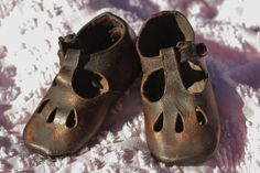 Little Girls Vintage Bronzed Baby Shoes by RubyLavender on Etsy
