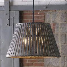 Lámpara con madera de barricas / Wine barrel chandelier