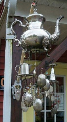 Ideas yard art ideas wind chimes spoons for 2019 Carillons Diy, Silverware Art, Flatware, Diy Wind Chimes, Unique Wind Chimes, Garden Crafts, Garden Projects, Wood Projects, Suncatchers